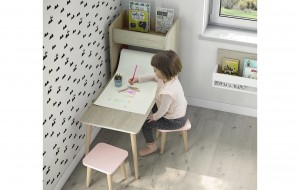 Mesa de trabajo metodo Montessori en Zaragoza